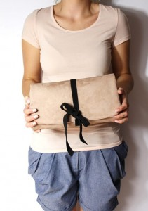 Minibow Beige + Black Leather