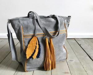 BigBag Midi Fringe Valour Leather + Feathers