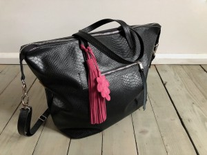 Simple Large Bag Black Iguana