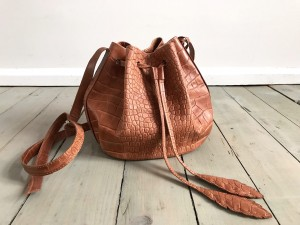 Little Bucket Feathers Bag Croco Dark Caramel
