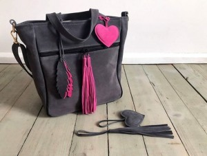 BigBag Midi Fringe Velour Graphite Leather + Fuchsia + Feathers + Heart
