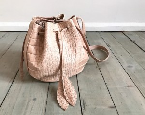 Little Bucket Feathers Bag Croco Nude